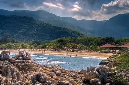 tortuga位于海地北海岸,是历史上非常著名的海盗基地