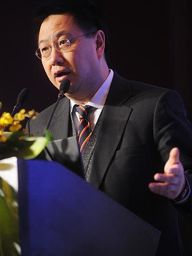 景顺为投资总监及香港退休金总监陈柏巨