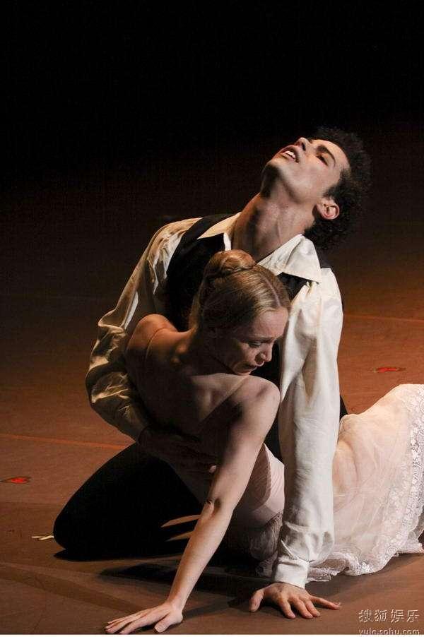 德国汉堡芭蕾舞团--《茶花女》剧照 2
