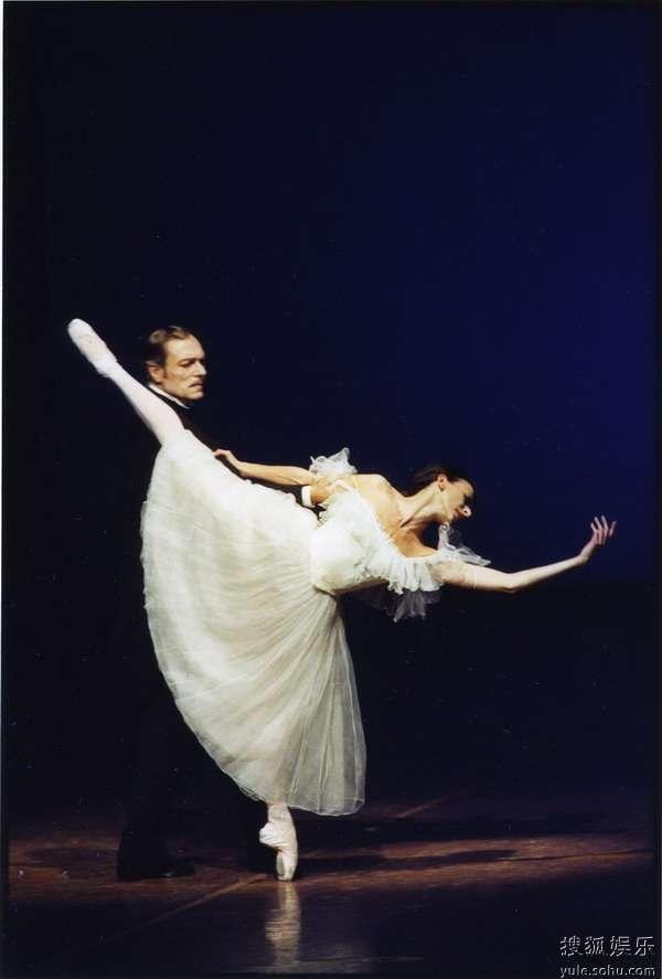 德国汉堡芭蕾舞团--《茶花女》剧照 9