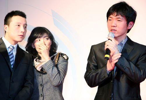 图文:第二届BC卡杯抽签 古力关注李昌镐发言