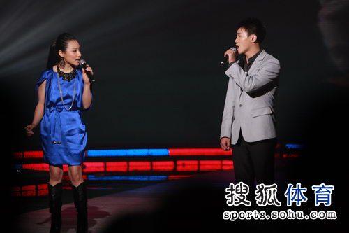 刘璇胡佳深情对唱
