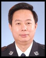 朱晓平,男,汉族,1962年3月生,上海市人,1984年6月加入中国共产党,1984年8月参加工作,大学本科学历,一级警监警衔。1980年9月至1984年8月在中国政法大学法律系学习,毕业后到公安部工作,历任公安部主任科员、副处长、处长。1998年12月任公安部港澳台事务办公室副主任(副局级),2006年1月任中央人民政府驻香港特别行政区联络办公室警务联络部部长,2009年3月任公安部装备财务局局长。