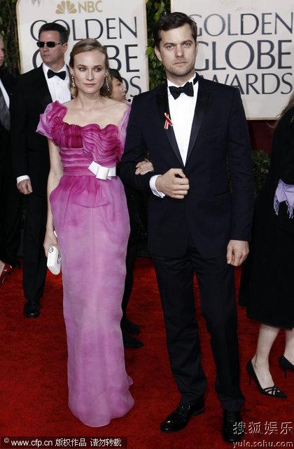 图:第67届金球奖红毯 黛安-克鲁格粉色礼服