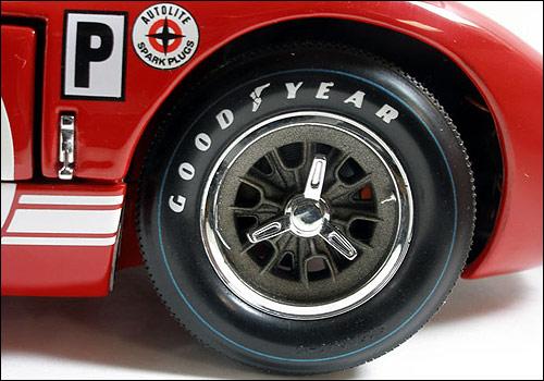 Exoto制造1966年福特GT40经典系列车模