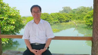 青海省人民政府副秘书长王定邦