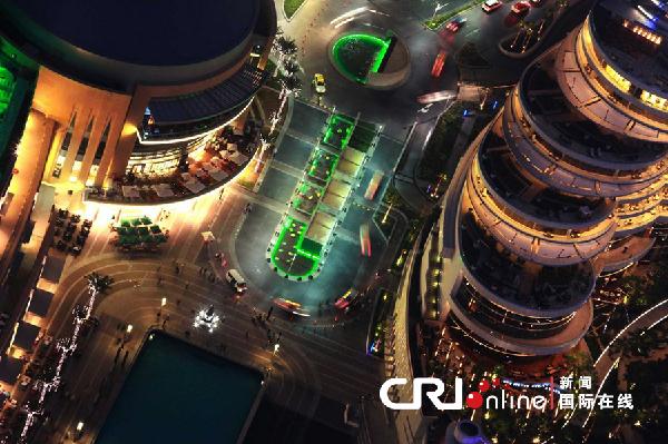 """迪拜/2010年1月19日,阿联酋迪拜,从世界第一高楼""""哈利法塔""""第..."""