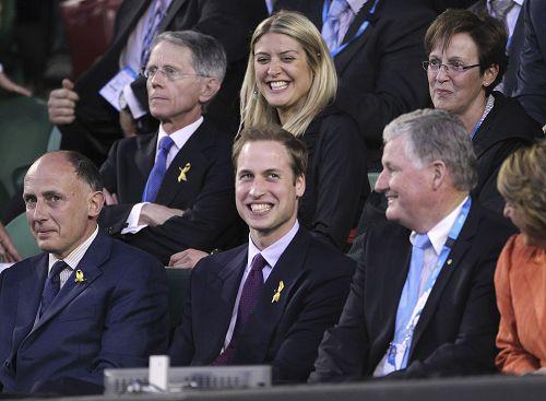 图文:威廉王子亮相观战费德勒 笑容迷人帅气