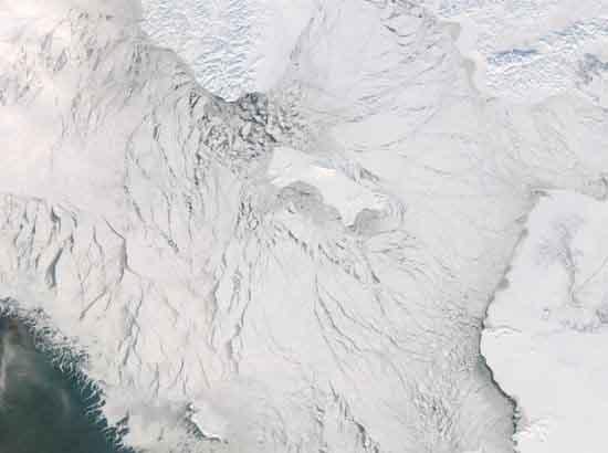 太空看地球壮观冰层 南极巨型冰架崩裂图片