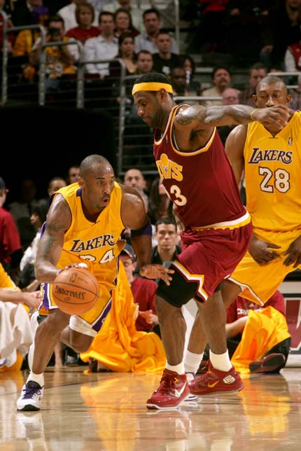 NBA图 骑士VS湖人 科比加速突破图片