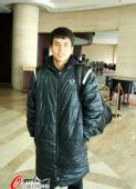 图文:新一届国足上海集结 维族小伙前来报到