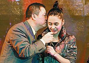 潘苏通向阿娇索吻