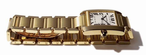 (3)、(4) 1996年法国坦克(Tank Française)诞生。这款腕表对正方形表壳采用了弧形处理,使整体和链带的结合更加完美,亦为卡地亚提供了回归本源的契机。