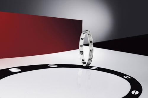 LOVE系列铺镶钻石白K金手镯 镶嵌黑玛瑙