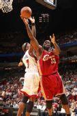 图文:[NBA]骑士VS热火 奥尼尔低手上篮