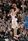 图文:[NBA]黄蜂绝杀胜开拓者 布雷克跳投
