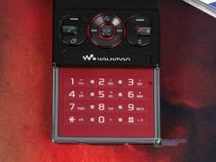 滑盖WCDMA音乐手机 索尼爱立信W715降价