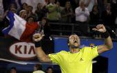 图文:澳网第十日男单1/4决赛 特松加庆祝胜利