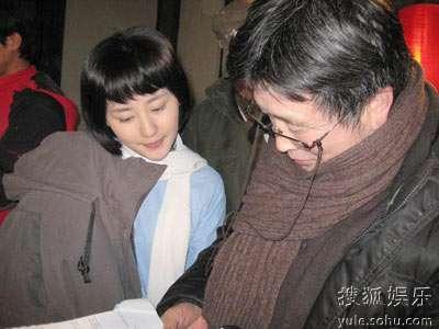 刘毅然导演给张舒羽讲戏