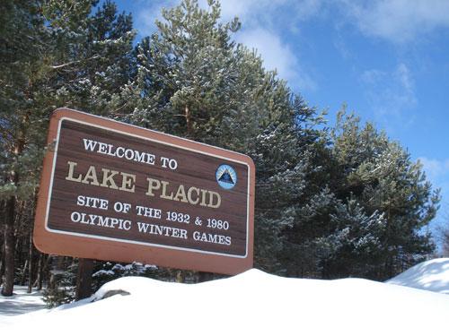 美国普莱西德湖举办过两次冬奥会