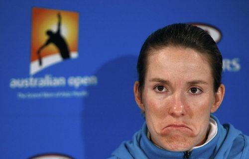 图文:澳网女单决赛发布会 海宁表情颇为夸张