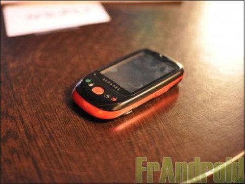 阿尔卡特首款Android手机OT-980曝光
