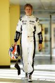 图文:2010年F1首轮试车次日 胡肯伯格整装待发