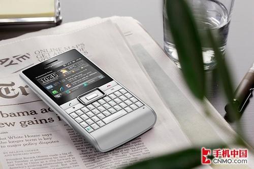 直板全键盘WM新机 索尼爱立信Aspen发布