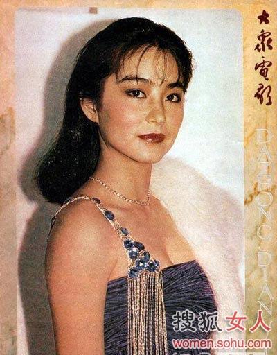 林青霞:林大美人80年代杂志封面照妆容关键词:红唇,胭脂编辑点评图片