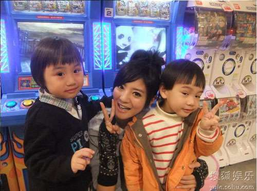 小小彬(左)和安以轩
