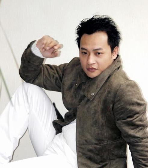 陈志朋自认是小虎队中保养得最好的,但希望能在上春晚前再减点肥