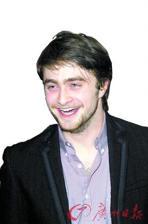 """19岁的丹尼尔・拉德克利夫凭""""哈利""""一角赚尽名利。"""