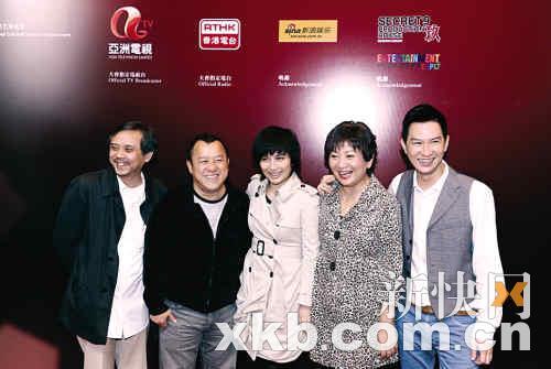 去年的香港电影成绩不俗,令陈嘉上(左)等电影人深感喜悦