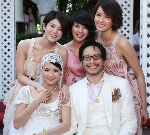 梁咏琪、许茹芸等女星出席了李心洁的婚礼