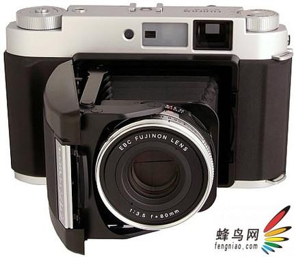 复古风格!富士再推出GF 670大画幅相机