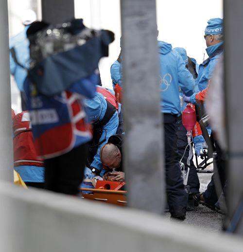 图文:雪橇选手训练意外死亡 诺达尔受伤
