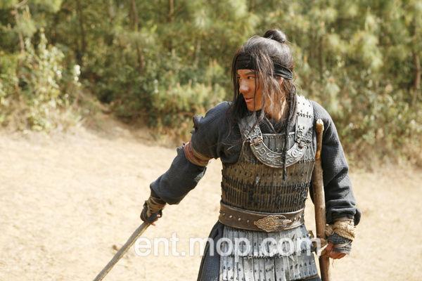 王力宏在《大兵小将》中有很多武打镜头