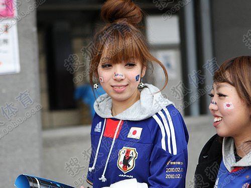 日本美女助阵