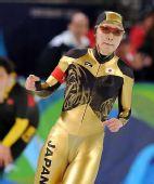图文:日本速滑队透视比赛服 雷人透视效果