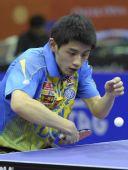 图文:乒乓球卡塔尔公开赛 张继科准备发球
