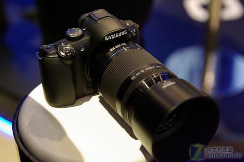 CES2010:可换镜头 APS-C三星NX10发布
