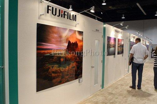 PMA2010:环保色很养眼 富士展台极具人气