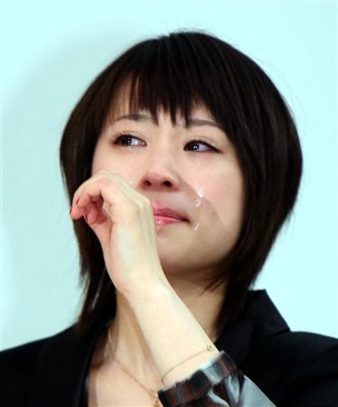 北乃纪伊作为歌手出道 7000名歌迷前含泪热唱