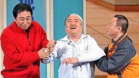 冯巩(左)的节目《不能让他走》