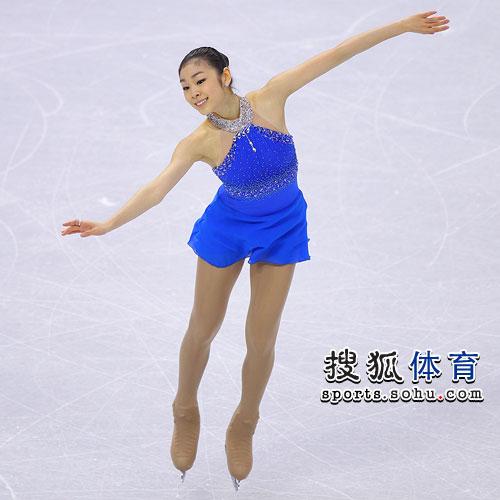 图文:花样滑冰女子单人滑 金妍儿露笑容