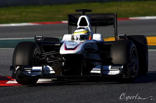 图文:F1季前末轮试第二天 德拉罗萨在试车