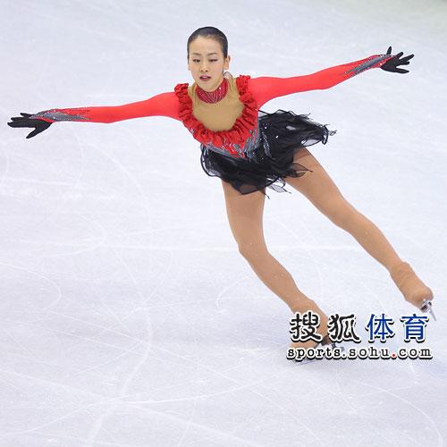 图文:日本花滑美女摘得银牌