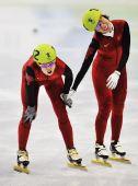 图文:王濛获女子1000米冠军 完美的短道组合