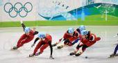 图文:中国获男子5000米接力第四 拥挤的弯道