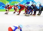 图文:中国获男子5000米接力第四 各队开始交接